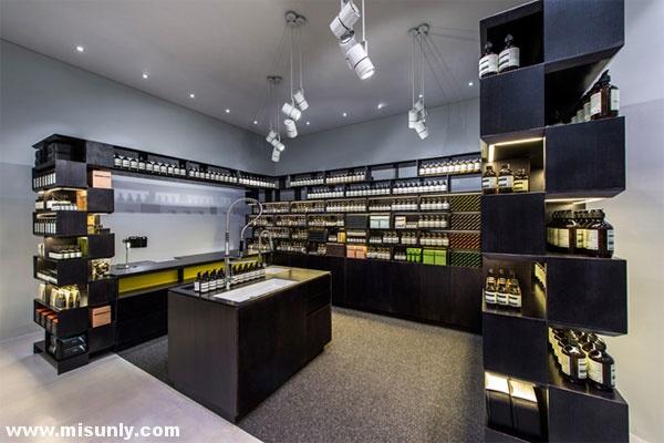 伊索店化妆品店