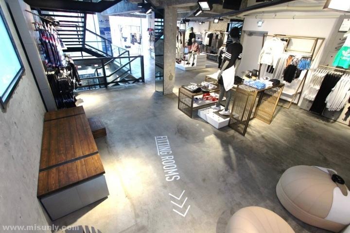 德国柏林阿迪达斯鞋类概念店设计