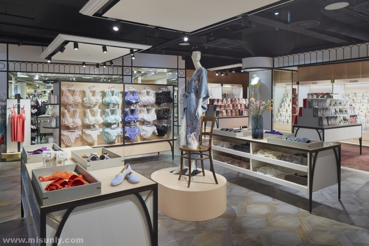 奥地利维也纳Exquisite 内衣店设计