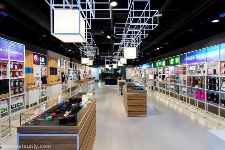 法国巴黎–Lick手机店设计