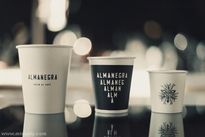 透明奶茶杯vi贴图素材