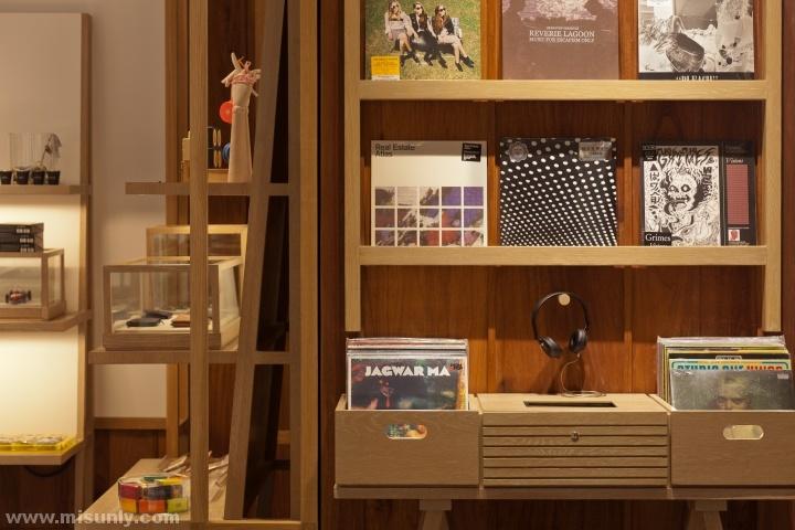 Siwilai-Concept-Store-by-Yabu-Pushelberg-Bangkok-Thailand-16