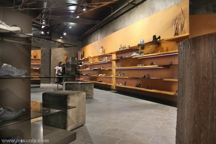 德国Stratmann鞋店设计