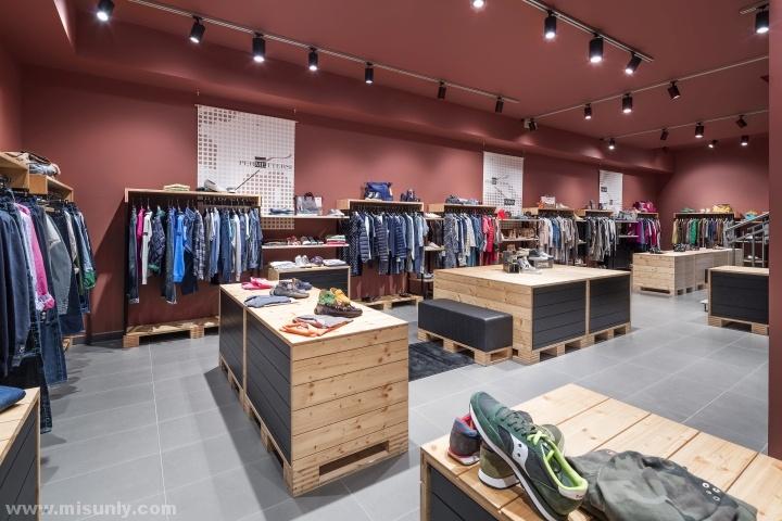 意大利permettersi时尚服装店设计 –用色大胆