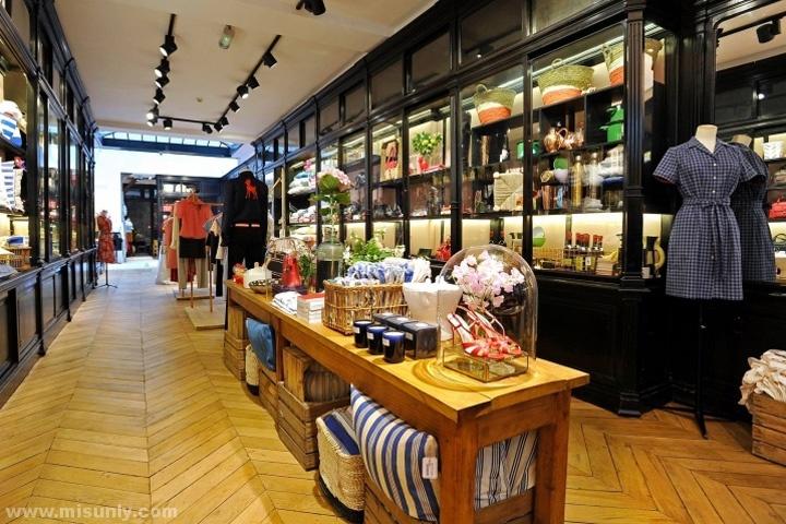 Ines-de-la-Fressange-Flagship-Store-Paris-France