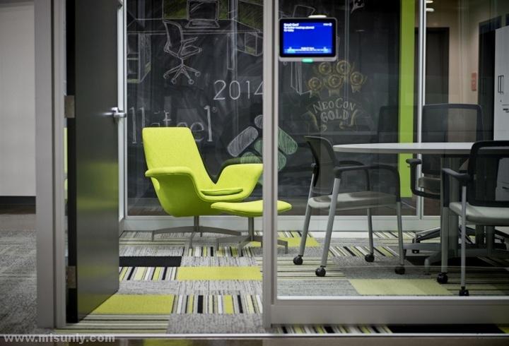 Interior-Environments-Office-Showroom-by-SmithGroupJJR-Novi-Michigan-06