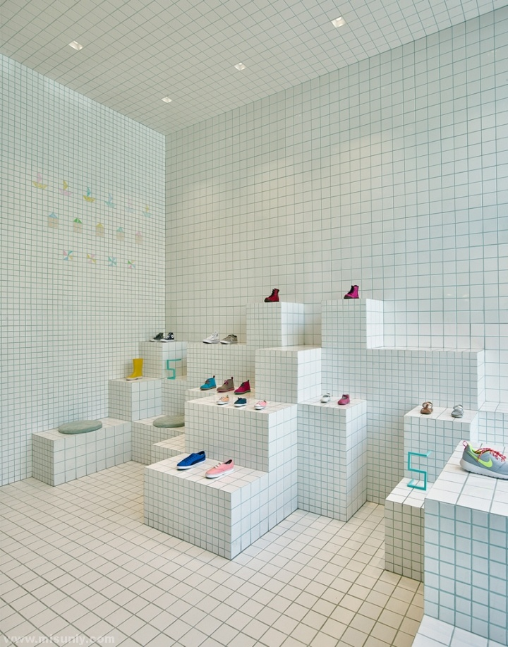 Little-Shoes-Shop-by-Nabito-Architects-Barcelona-Spain-04