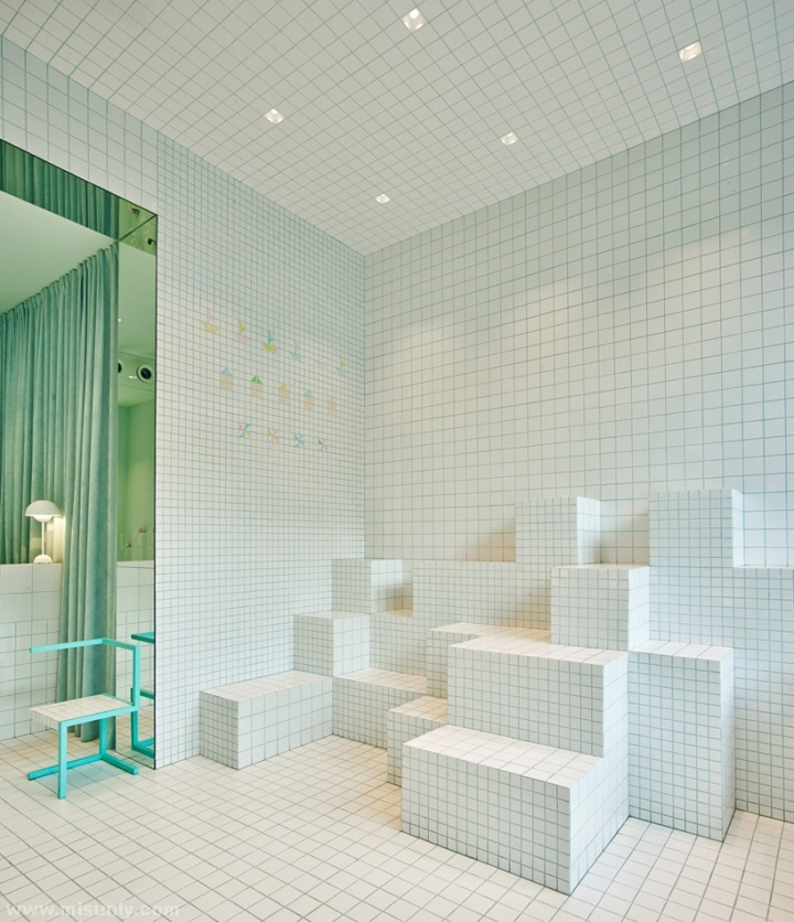Little-Shoes-Shop-by-Nabito-Architects-Barcelona-Spain-06