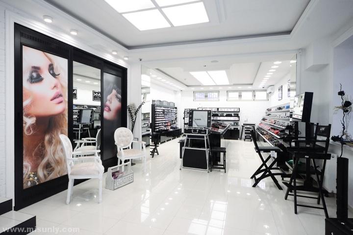 NYX Corner化妆品店设计