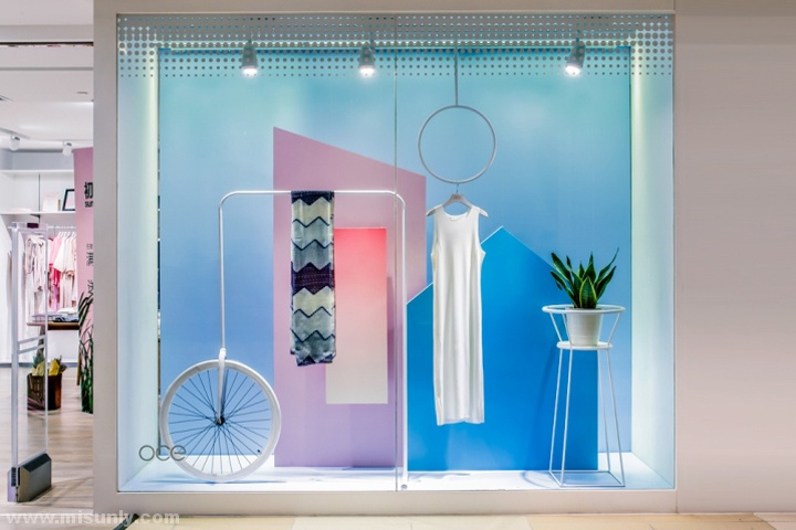 OCE 女装店铺设计