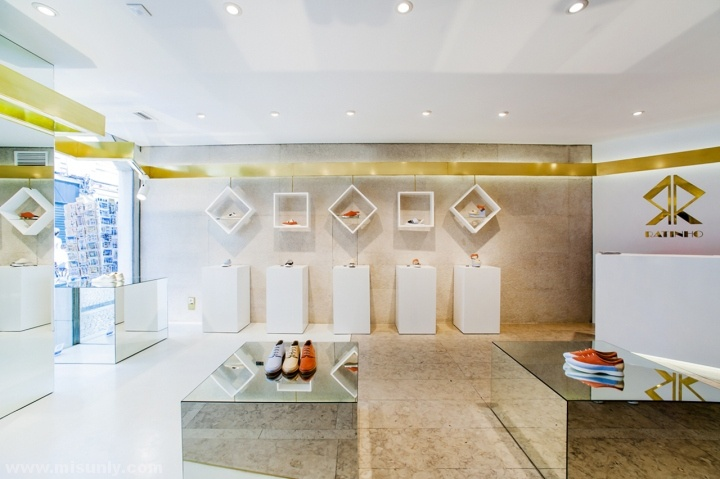 Ratinho-Shoe-Store-by-In-Out-Studio-Lisbon-Portugal-09