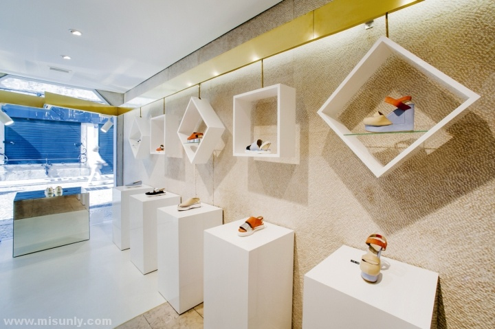 Ratinho-Shoe-Store-by-In-Out-Studio-Lisbon-Portugal-10