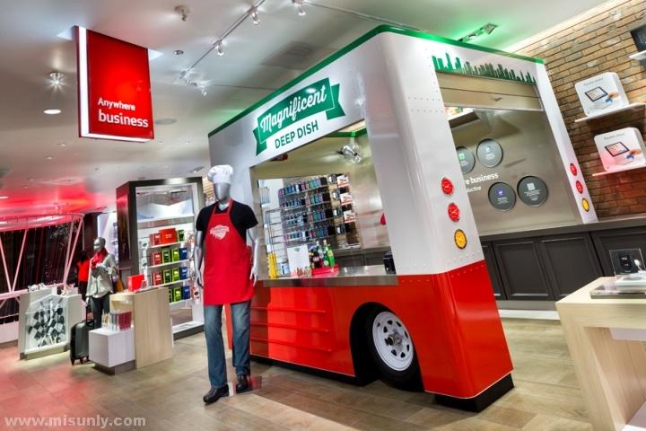 Verizon-Chicago-Destination-Store-by-Chute-Gerdeman-Chicago-Illinois-08