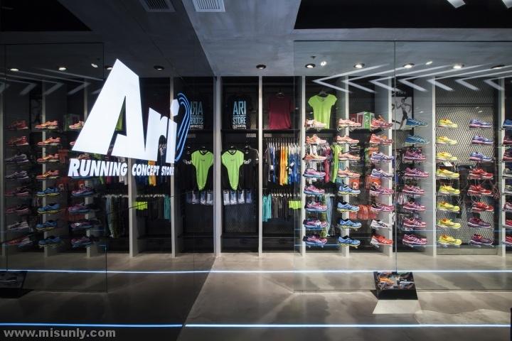 Ari-Running-store-by-Whitespace-Bangkok-Thailand-05