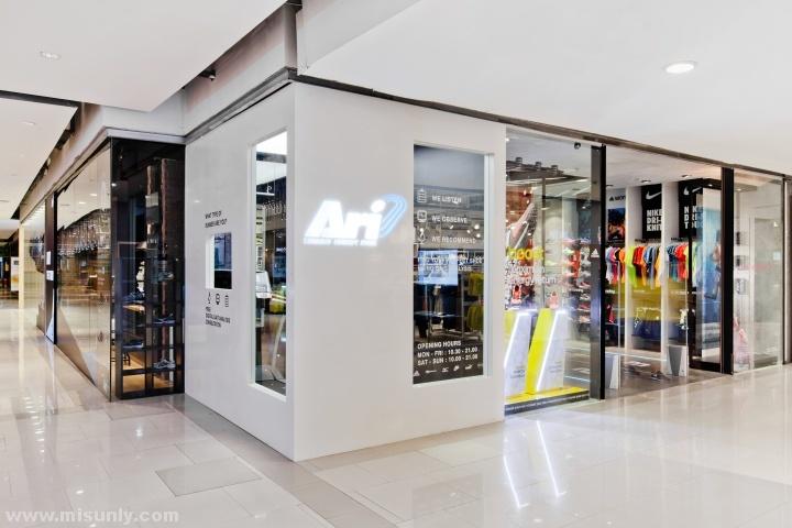 Ari-Running-store-by-Whitespace-Bangkok-Thailand-08