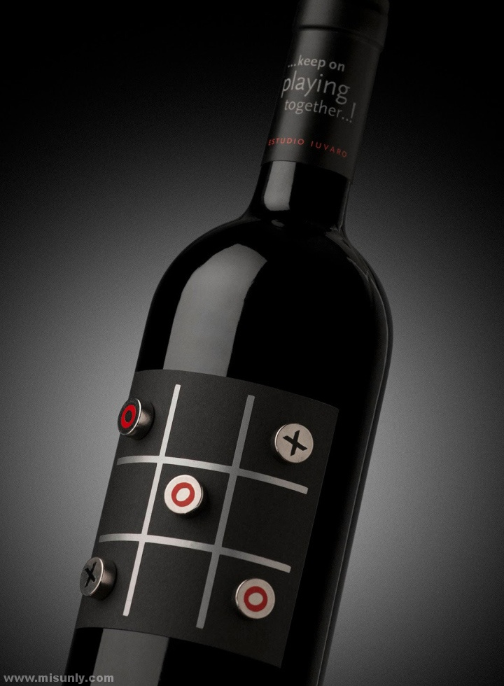 TA-TE-TI-Wine-Packaging-by-Estudio-Iuvaro-03