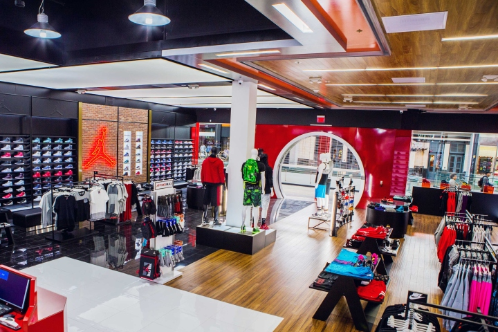 Shoe-Palace-Store-by-Double-Europe-San-Jose-California-08